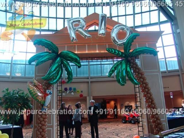 balloon-palm-trees